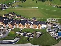 Luxuriöse Wohnwelten mit 105 Familiensuiten und zwölf Chalet-Einheiten