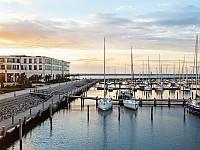 Das Resort mit Kongresscenter direkt am Yachthafen
