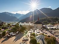 STOCKresort mit Aussicht über die Tiroler Alpen