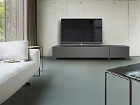 Die neuen Spectral-Möbel in elegantem Design gemeinsam mit TV-Hersteller Loewe vereint