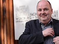 """Prof. Dr. Lutz Frühbrodt - Studiengang """"Fachjournalismus und Unternehmenskommunikation"""" Hochschule Würzburg-Schweinfurt"""
