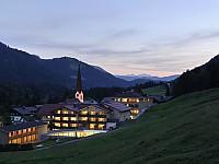 Auf über 1000 Meter Höhe im Allgäu liegt das familiengeführte Refugium