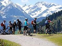 Atemberaubender Panoramaausblick während einer Mountain Biking - Tour