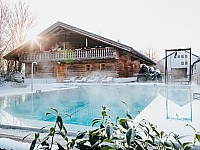 Eine winterliche Auszeit von Alltag und Berufsleben bietet das Saunastadl des Hotel Drei Quellen