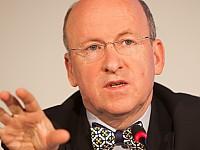 Helmut G. Bauer, Medienanwalt und Gründer der DRD Digitalradio Deutschland GmbH