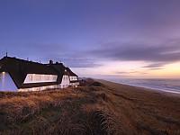 Das romantische Hotel von der Meerseite