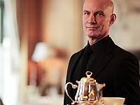 Das Regent Berlin hat mit Roland Pröh einen zertifizierten TeaMaster Gold