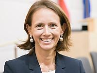 Mag. Dr. Maria Theresia Niss - Bereichssprecherin Digitalisierung, Forschung und Innovation des Parlamentsklubs der ÖVP im Nationalrat Österreichs