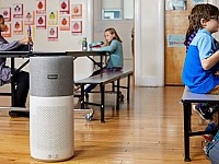 Ob Schule, Arbeitsplatz oder Restaurant - Die mobilen Philips Luftreiniger sind vielfältig einsetzbar
