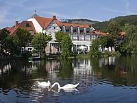 Sommeridylle: Das 5-Sterne-Haus liegt direkt am Forellenteich in Ilsenburg