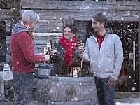 Naturverbunden und rustikal - im Dorf SCHÖNLEITN geht es nach einer Winterwanderung weiter gesellig zu