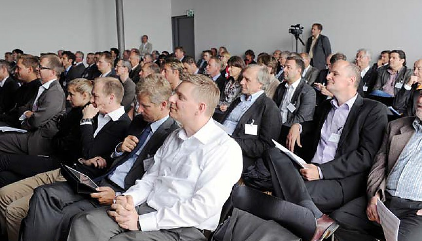 "BLM-Forum ""DIGITALRADIO 2012…auf ""+""Kurs"""