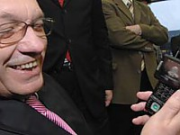 MDR-Intendant Reiter testet Handy-TV