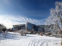 Zu jeder Jahreszeit eine traumhafte Kulisse: das Bio-Seehotel Zeulenroda im Thüringer Vogtland