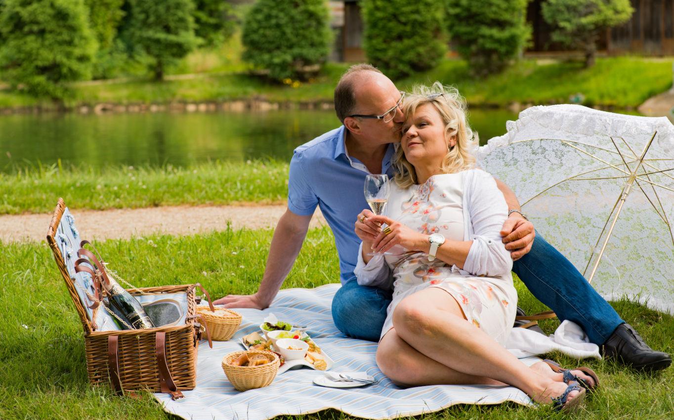 Wie früher: Picknick im Grünen - mit Köstlichkeiten aus der Küche des Hotel König Albert.