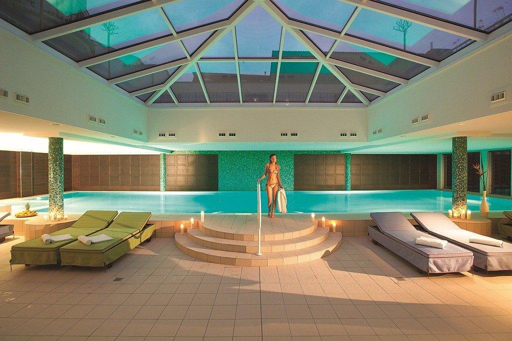 Entspannung pur im Schwimmbad