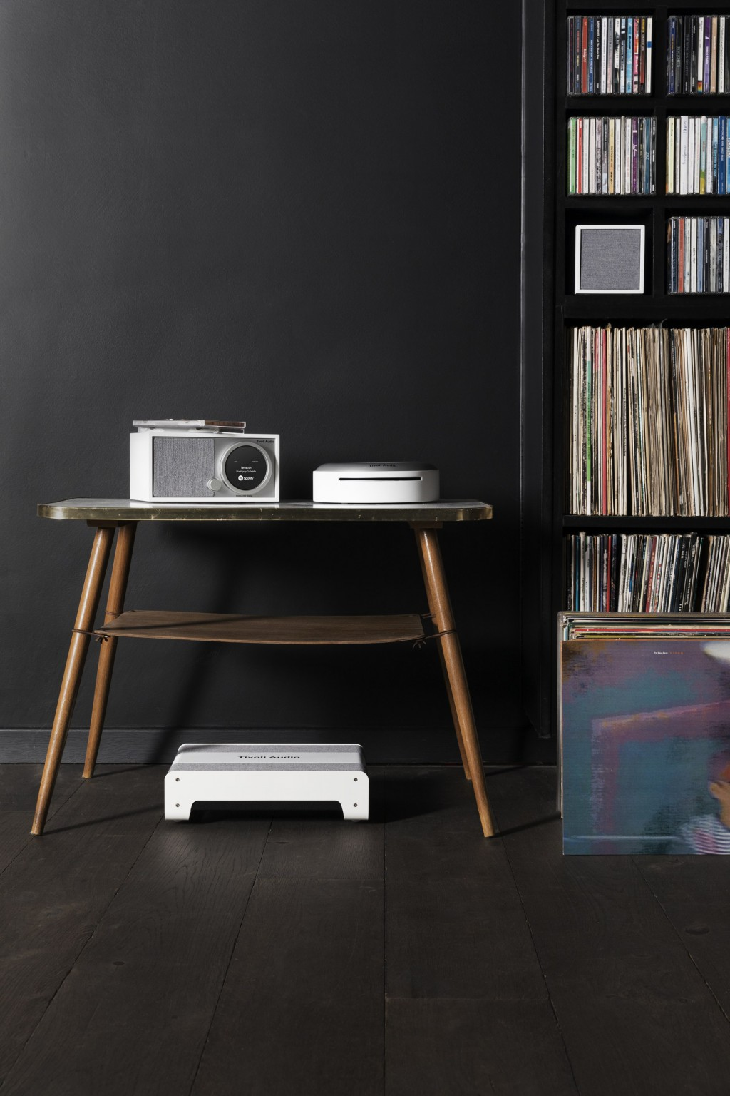 Die Tivoli Audio Art Collection mit dem Model One Digital, Model CD, Model Sub und einem Cube