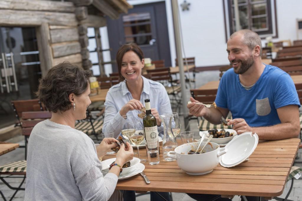 Gemeinsame Zeit verbringen und Genießen - im Hoteldorf Schönleitn