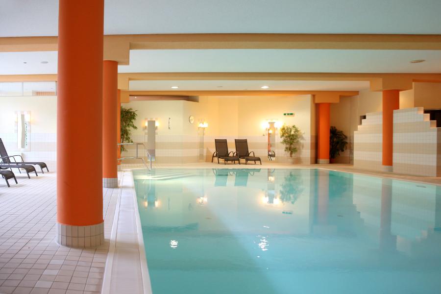 Schwimmbad im sonnenhotel Hoher Hahn