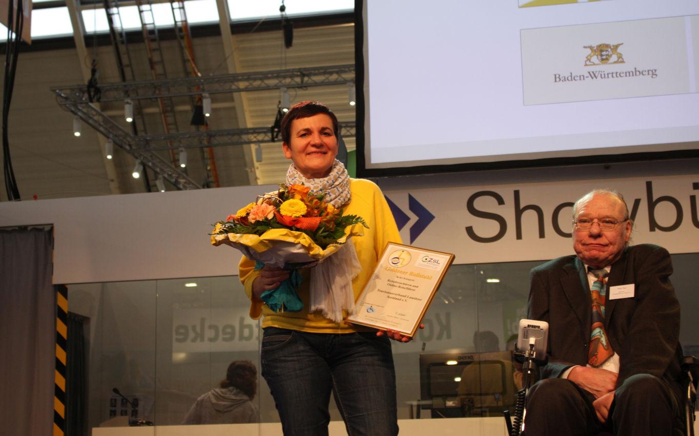 Kathrin Winkler bei der Verleihung des goldenen Rollstuhls in Stuttgart
