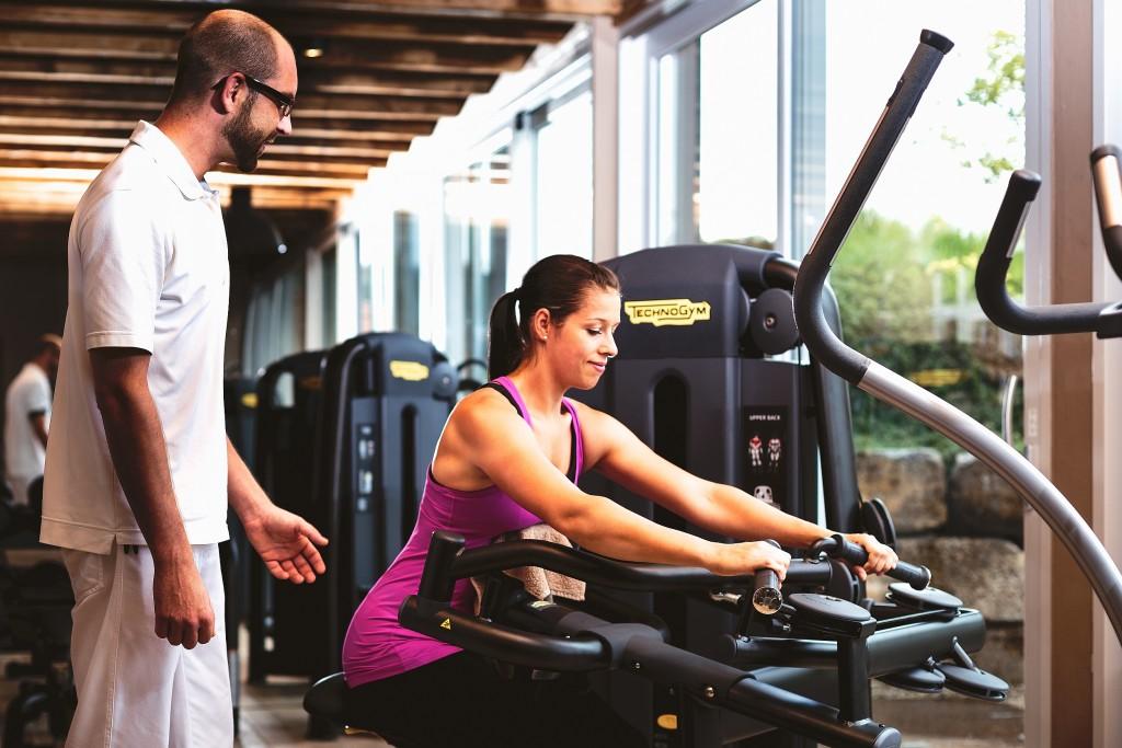 Individuelles Fitnesstraining für Muskelaufbau und Ausdauer.
