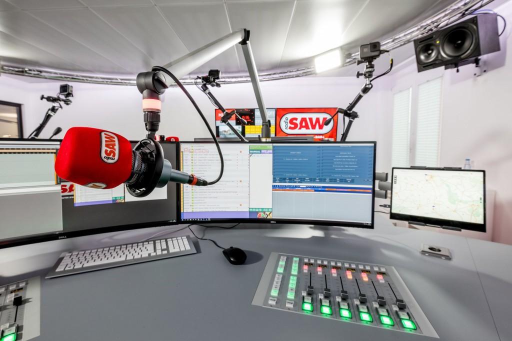Volldigitalen Sendetechnik inkl. Visual Radio – radio SAW sendet aus einem der modernsten Funkhäuser Deutschland