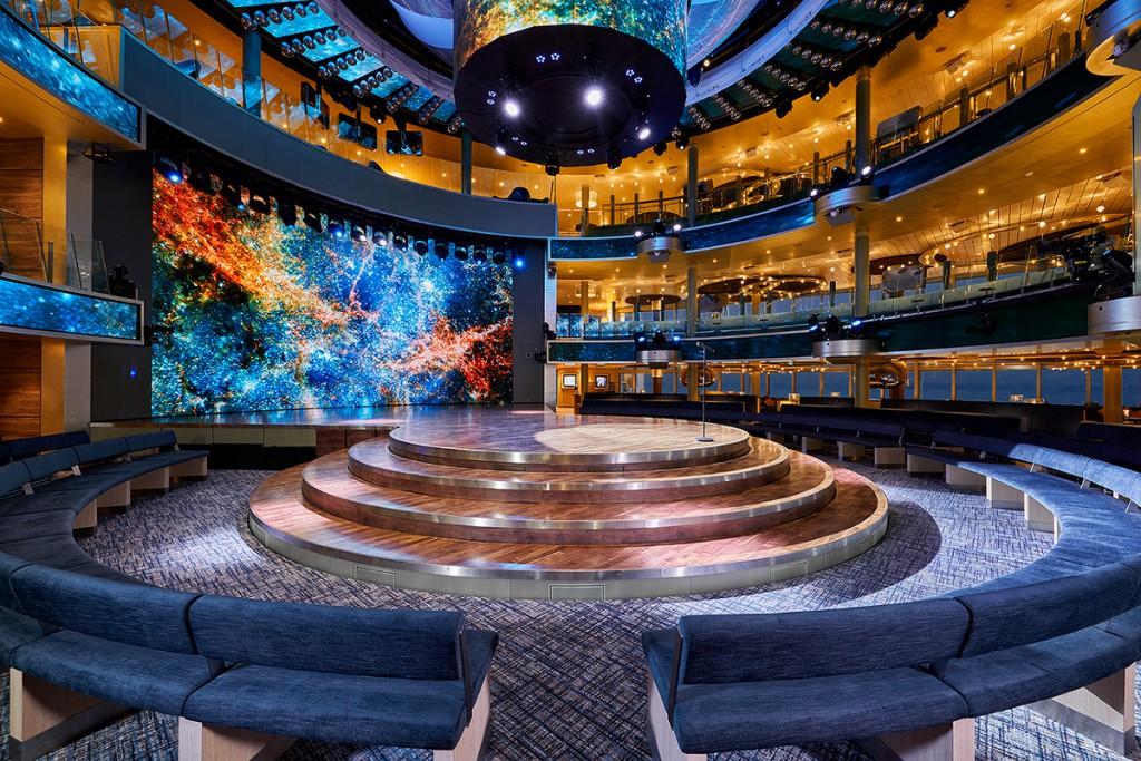 Offen gestaltetes Theatrium mit Platz für bis zu 900 Personen