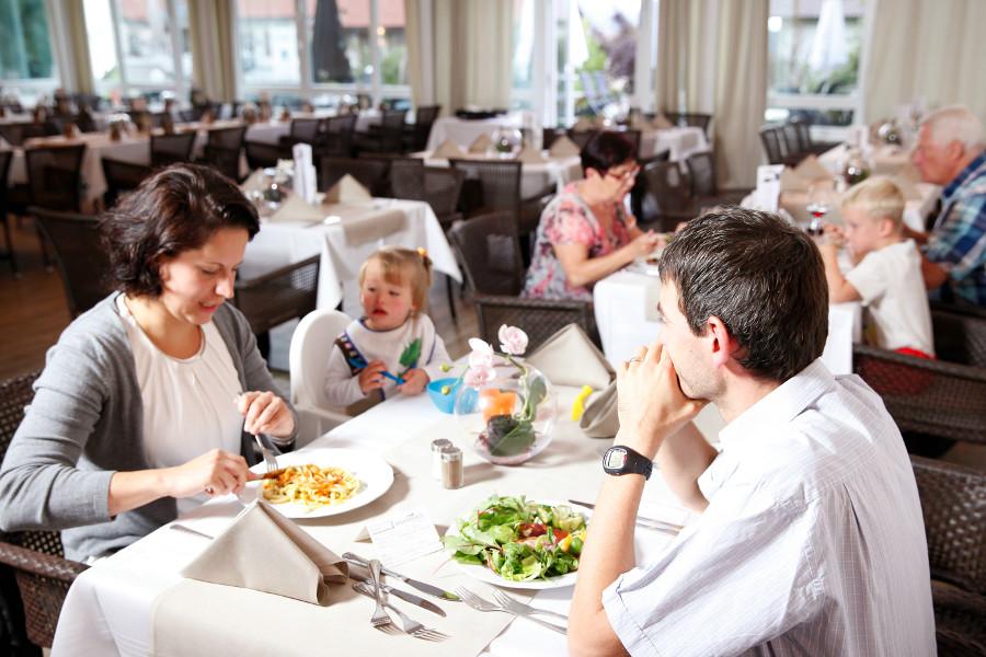 Das Restaurant ist kinderfreundlich und überrascht mit liebevoll kreierten Menüs und Buffetsmehr als kinderfreundlich