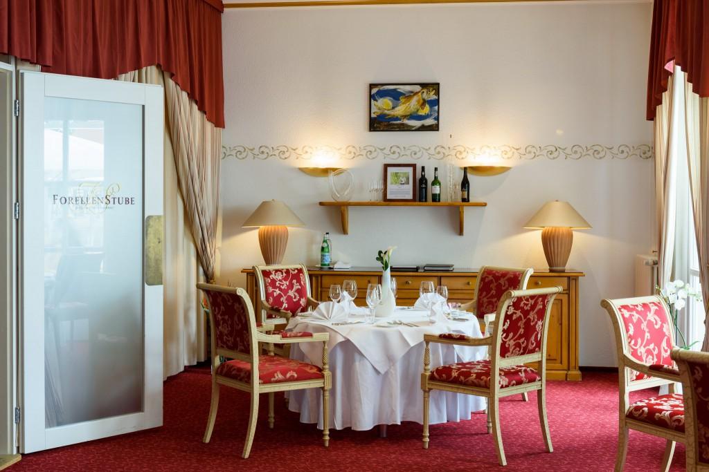 """Gourmet-Restaurant """"Forellenstube"""" – das kulinarische Herzstück des Landhauses"""
