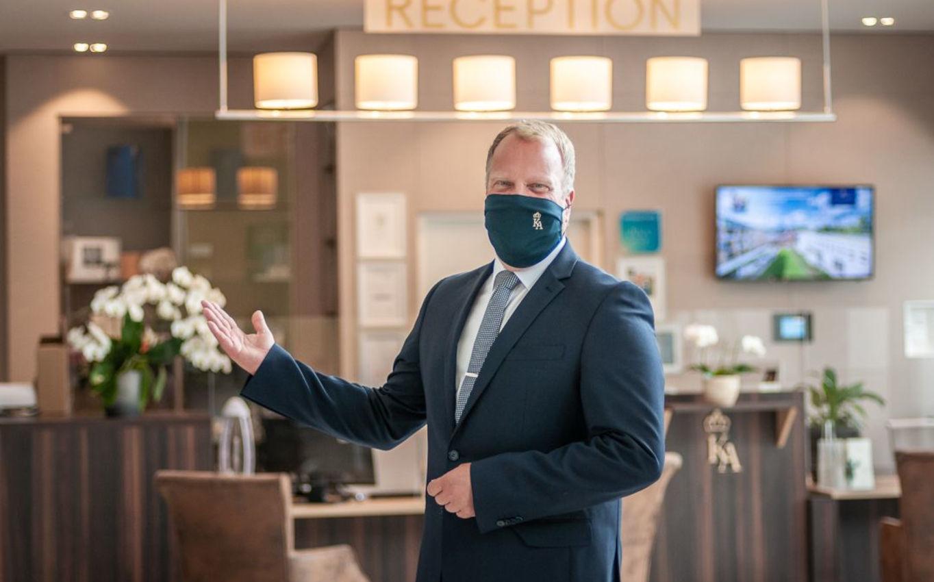 Hoteldirektor Marc Cantauw setzt in seinem Hotel auf geschmackvolle Kunst