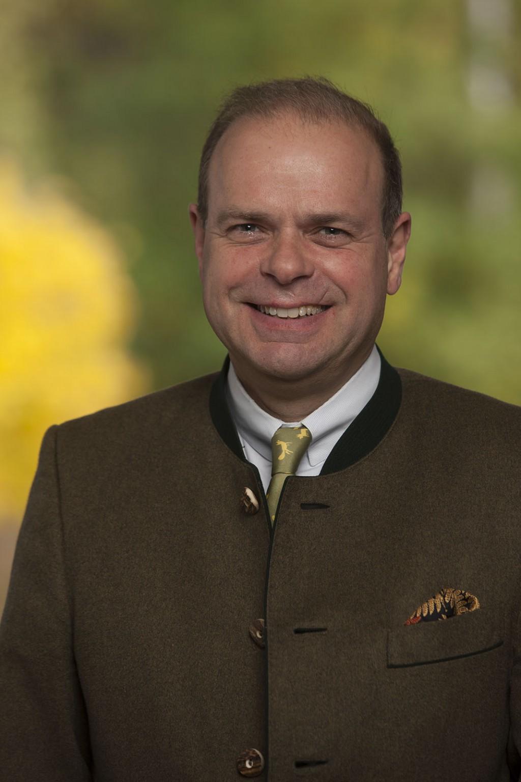 Hotelinhaber Dr. Ritter von Kempski und Mit-Ideengeber des 1. Stolberger Schloss-Laufs
