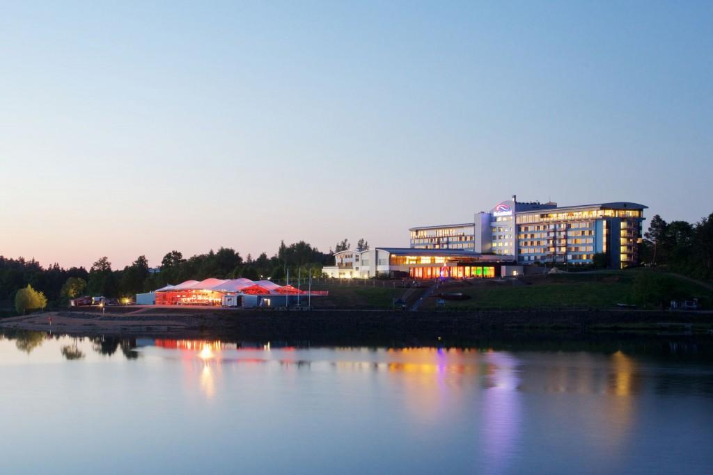 Die Seestern-Panorama Bühne lädt im Winter zum Schlittschuhlaufen ein