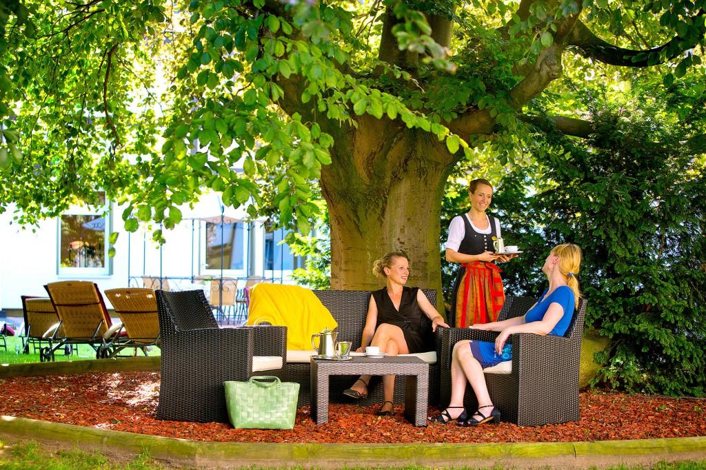 Kaffeegenuss im Garten