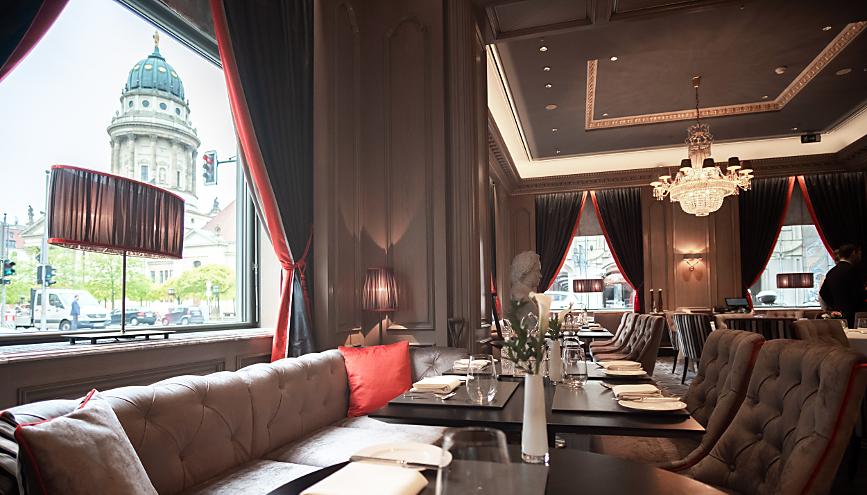 Blick vom Restaurant Charlotte und Fritz auf den Gendarmenmarkt