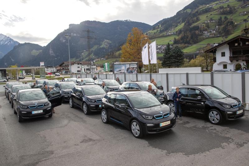 Die Stock´s übergeben 13 BMWi 3 an ihre Mitarbeiter