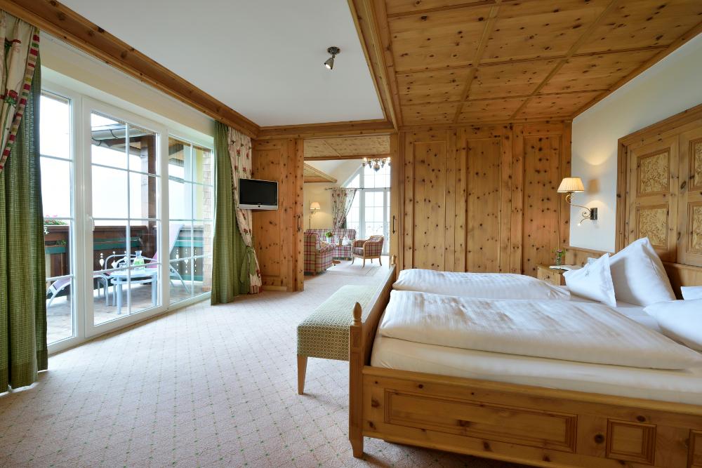 großzügige Suiten in modernem Alpenchick