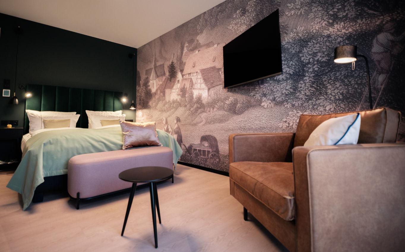 3.Die Zimmer des Romantik Hotel FreiWerk: Harmonisches Farbkonzept und moderne Stilelemente