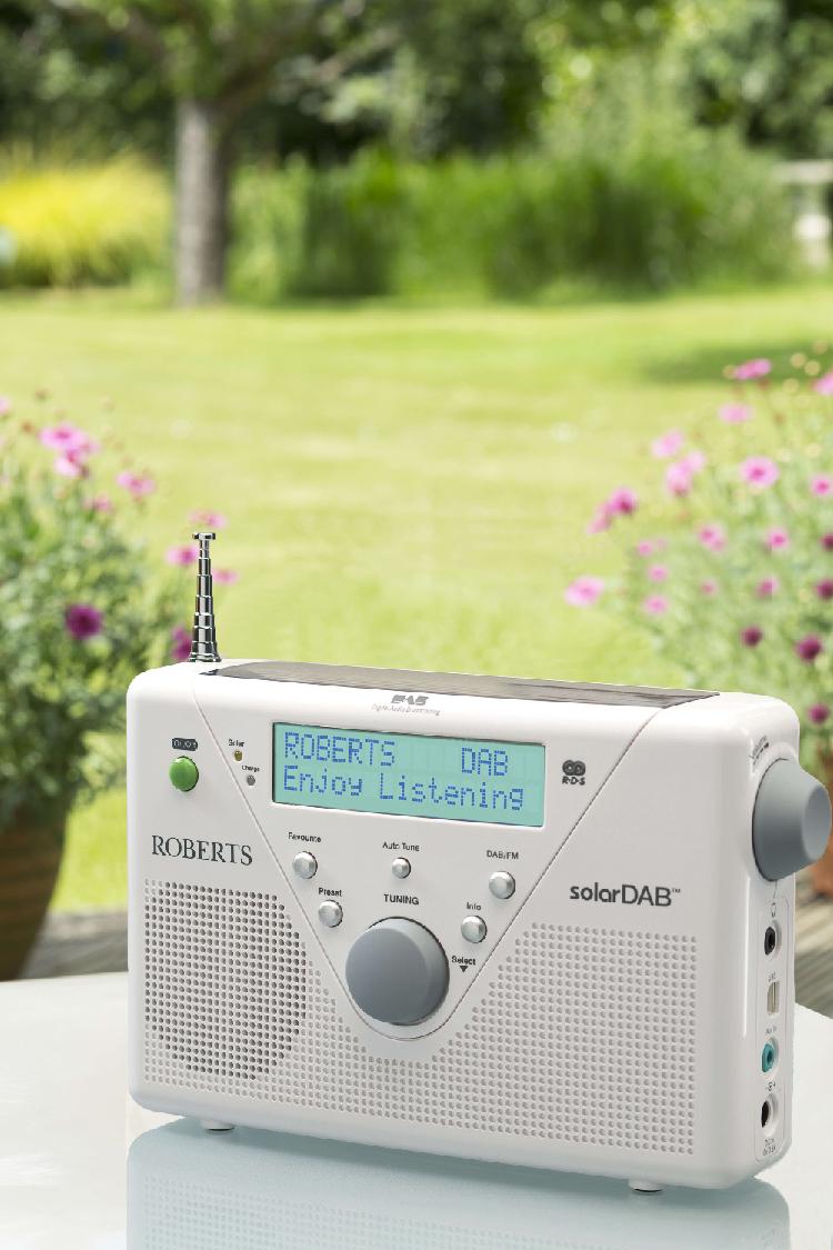Das SolarDAB2 kann mit Solarenergie betrieben werden