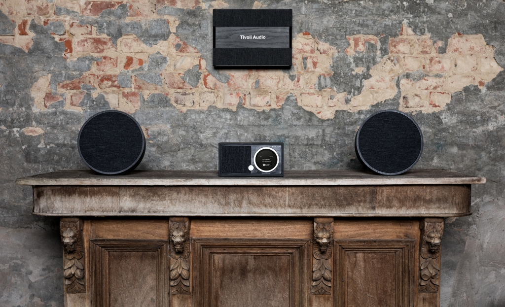Die Tivoli Audio ART Collection mit dem Model One Digital, zwei Orbs und einem Model Sub
