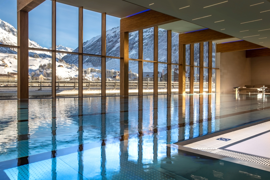 25- Meter Indoor Pool im Wellness und Fitnesscenter
