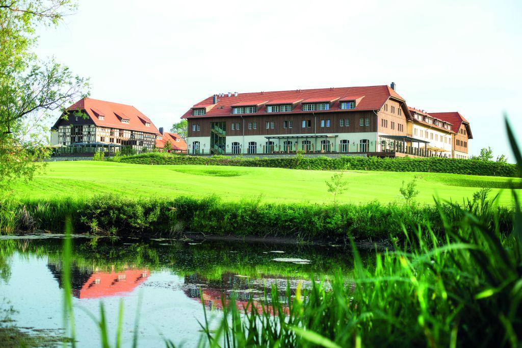 Das Resort ist eingebettet in sanfte Golflandschaft.