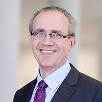 Dr.  Joachim Schmalzl