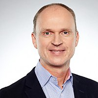 Frank  Bachér