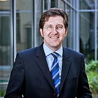 Dr. Stephan Albers
