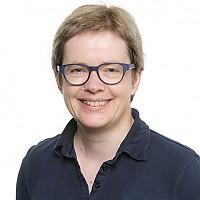 Dr.  Nicola Balkenhol