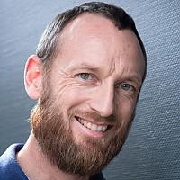 Glenn  Llewellyn